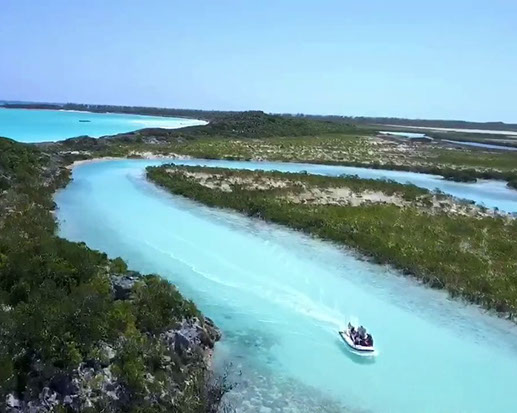 Rent your luxury private yacht to Shroud Cay Bahamas